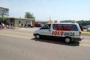 Sunny 101.9 WKQS Van