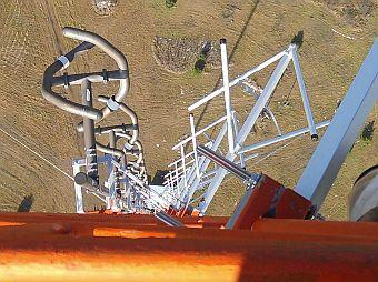 Luke-Tower-Climbing-Light-Bulb-Radio-Antenna