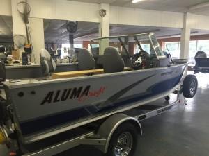 AlumaCraft Competitor 165 LE Richards Boatworks & Marine Escanaba Michigan October 2015 002