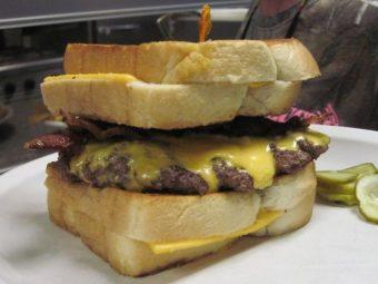 lane-dawson-30-point-buck-burger-bucks-restaraunt