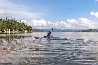 Kayak_Lake